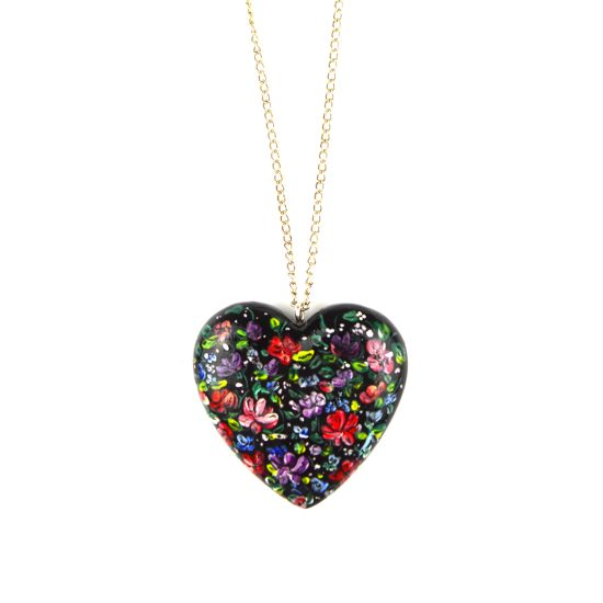heart pendant black flowers