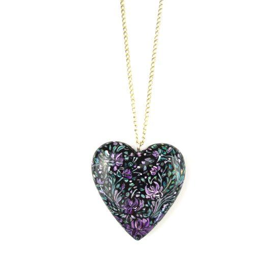 heart pendant black