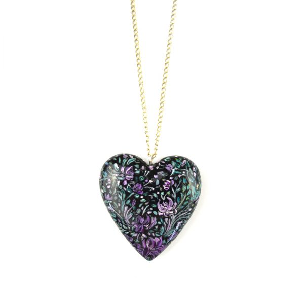 heart pendant black