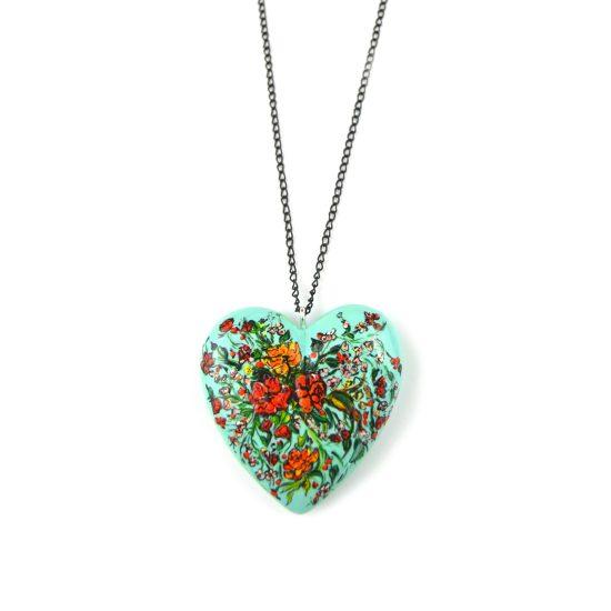 heart pendant green bouquet