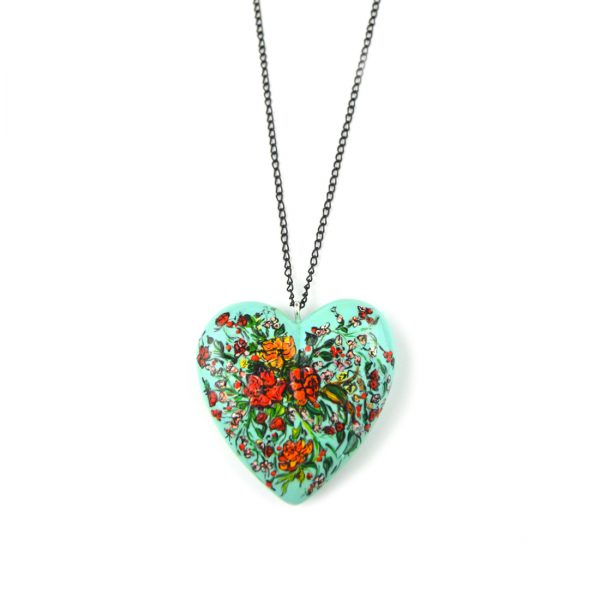 heart pendant green bouquet